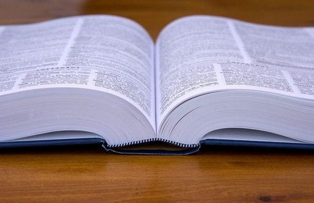 dizionario-di-latino-come-scegliere-il-migliore-al-miglior-prezzo